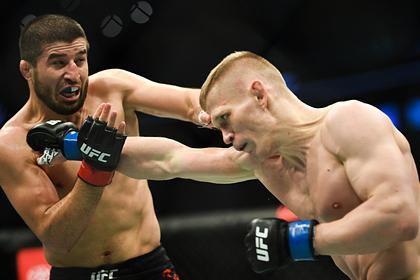 Российский боец UFC Хабилов объяснил нежелание выносить флаг страны на поединки