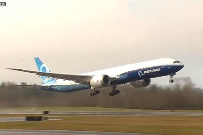 Новый Boeing 777X впервые взлетел