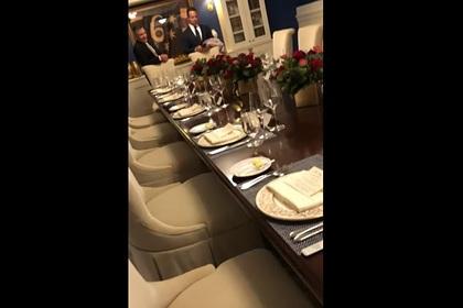Опубликована дискредитирующая Трампа запись делового ужина с обсуждением Украины