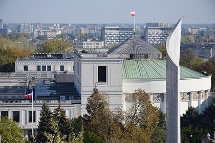В России объяснили требование Польшей компенсации историческими обидами
