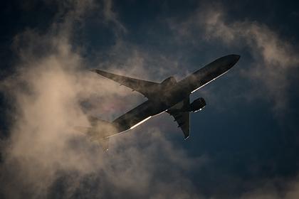 Загоревшийся в полете самолет экстренно сел в Иране