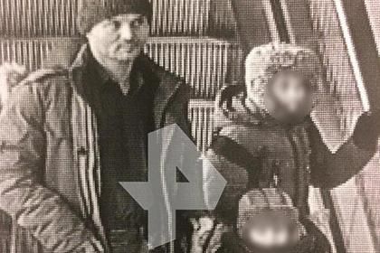 Оставивший двух детей в Шереметьево россиянин попал на камеры