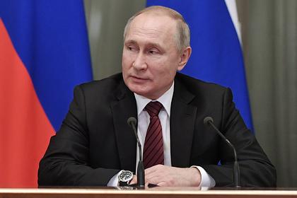 Путин дал месяц на решение проблемы с незарегистрированными лекарствами