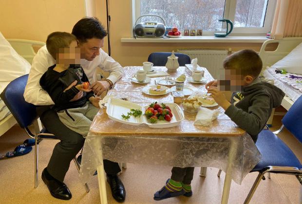 Андрей Воробьев с сыновьями Виктора Гаврилова