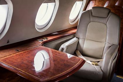 Авиакомпания лишила тучных пассажирок мест в бизнес-классе из-за широкой талии