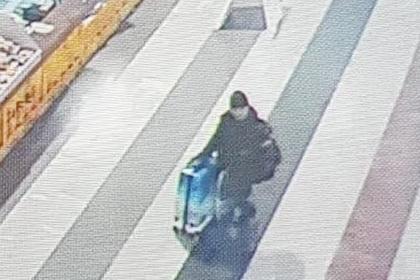 Оставивший двоих детей в Шереметьево россиянин сам пришел к следователям