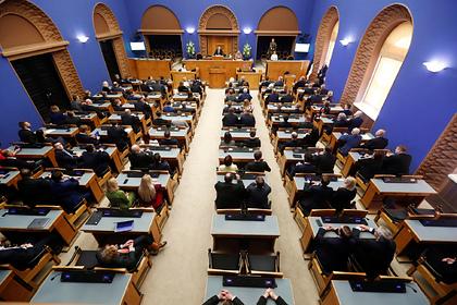Эстония обвинила Россию в попытке переписать историю