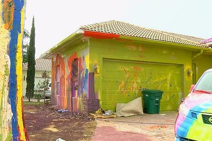 На американца подали в суд за «психоделический» дизайн дома