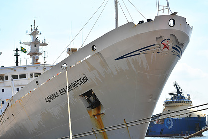 Экспедиция Минобороны подобралась к берегам Антарктиды
