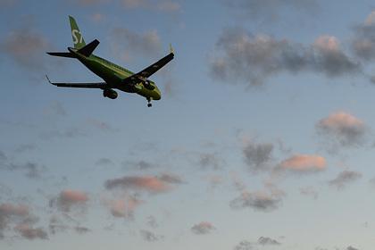 Российский самолет приготовился к экстренной посадке из-за отказа закрылков