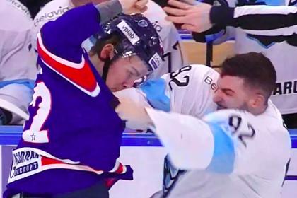 Российский хоккеист уложил на лед американского соперника