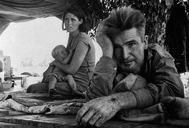 Рабочий и его семья в Калифорнии, 1936 год