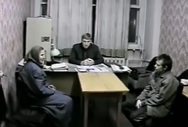 Спесивцев и его мать в кабинете следователя