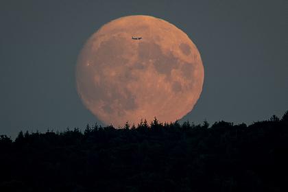«Роскосмос» возьмет с Луны грунт на полмиллиарда рублей