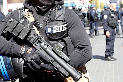 Женщина напала с ножом на прохожих в Бельгии