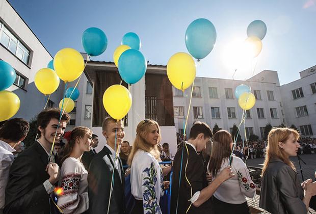Праздник первого звонка в киевской школе №309