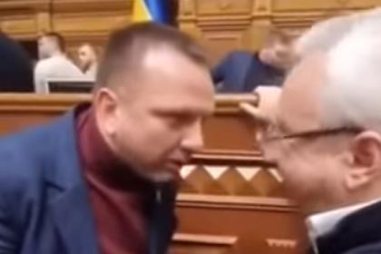 Украинский депутат обматерил назвавшего его малолетним клоуном коллегу
