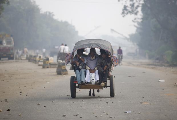 Дорога на границе Индии и Непала