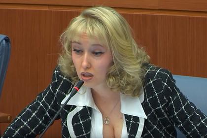 Депутат Мосгордумы забаррикадировалась в доме ради спасения пенсионерки