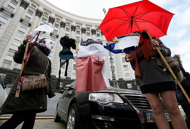 Акция протеста секс-работниц, требующих внимания к их проблемам со стороны властей