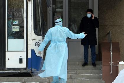 В Китае оценили версию появления коронавируса как биологического оружия