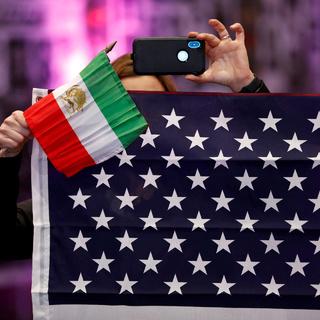Флаги Ирана и США
