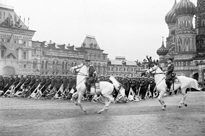 Опубликованы уникальные фотографии освободивших Европу от нацизма полководцев