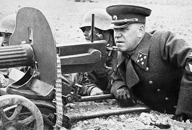 Георгий Жуков на полевых учениях
