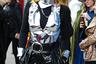 Зендая начала, Алеся Кафельникова подхватила: металлические топы, представленные на показе Тома Форда, полюбились всем. Даже продюсеру Biianco. В своем Instagram знаменитость заявила, что Неделя моды стала для нее отличной возможностью для косплея персонажа «Игры престолов». Правда, какого именно — не уточнила.