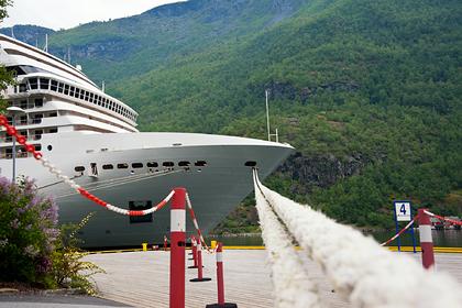 Десятки пассажиров одновременно заразились вирусом на круизном лайнере