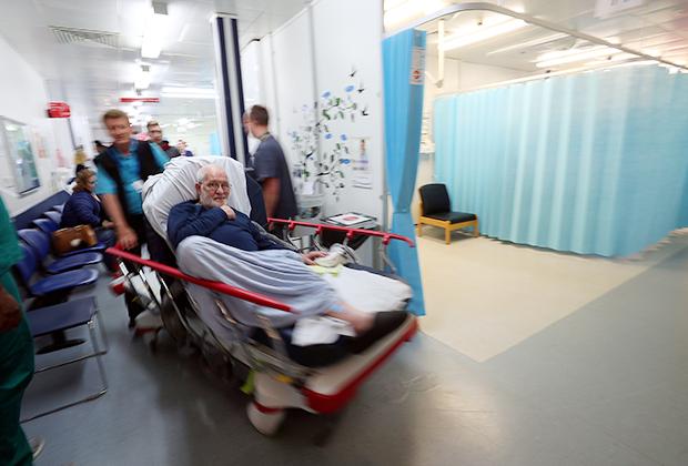 В больнице при Университете Милтон-Кинса. Милтон-Кинс, Великобритания