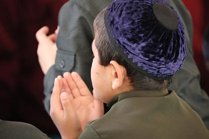 Родственник Кадырова обязал школьников одеваться по-исламски