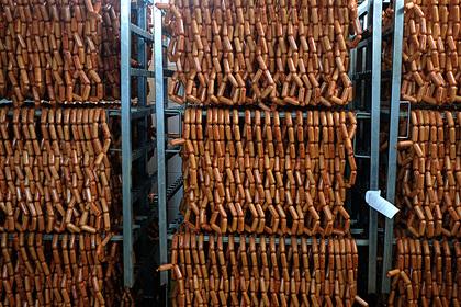 Россиян предупредили о вреде сосисок