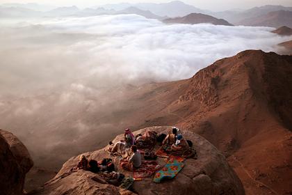 Россиянин поднялся на священную гору в Египте. Чтоон там почувствовал?