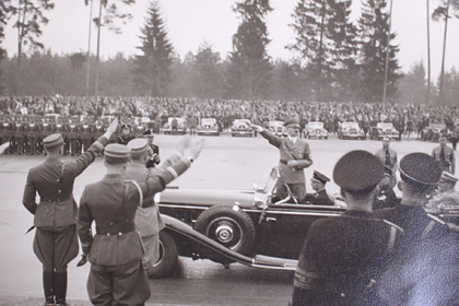 Опубликованы неизвестные фотографии Адольфа Гитлера