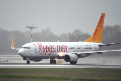Пилот потерял сознание во время посадки самолета