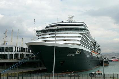 Несколько стран отказали круизному лайнеру в остановках из-за коронавируса