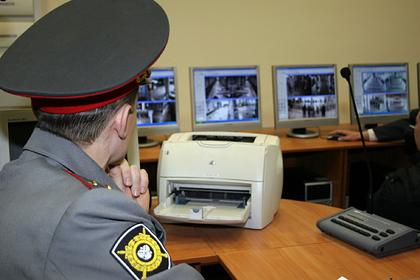 Россиянина оштрафовали за фото наклейки «Можем повторить»