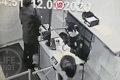 Пронесший в суд оружие и покончивший с собой полковник ФСИН попал на видео