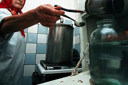 Три российские пенсионерки возродили закрытый водочный завод. Подпольный бизнес принес им миллионы