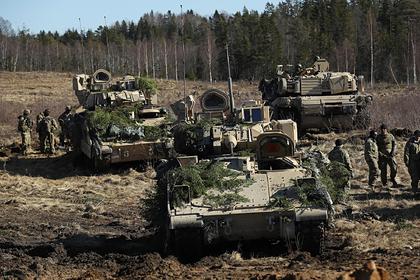 НАТО для победы над Россией посоветовали научиться свободно перемещаться в грязи