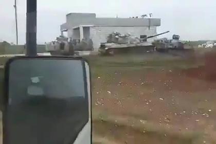 Турецкие танки прикрылись мирными сирийцами и попали на видео