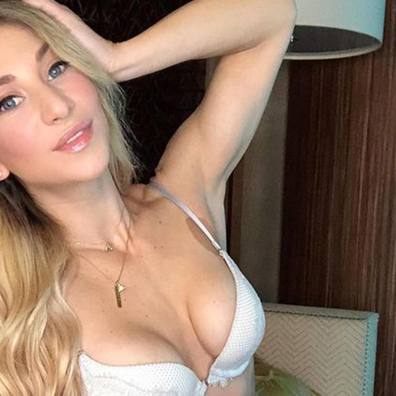 Веб девушка модель на сайт знакомств вебкам модели сайты для работы