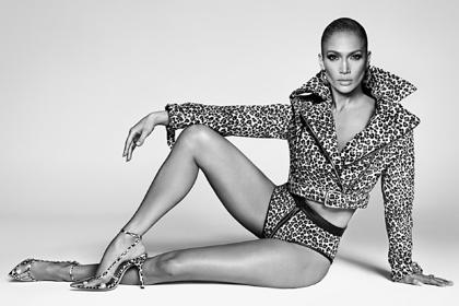 Дженнифер Лопес анонсировала новый бизнес снимком в белье и куртке на голое тело