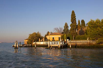 В Венеции на продажу выставили остров