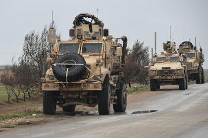 США отправили колонну военной техники в Сирию