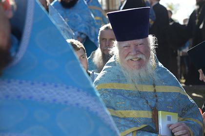 В РПЦ назвали троллингом слова Смирнова о гражданских женах