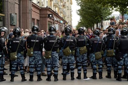 Стало известно о наказании разгонявших московские митинги полицейских