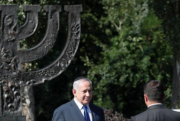 Премьер-министр Израиля Биньямин Нетаньяху и президент Украины Владимир Зеленский посещают мемориал памяти жертв Бабьего Яра в Киеве, 19 августа 2019 года