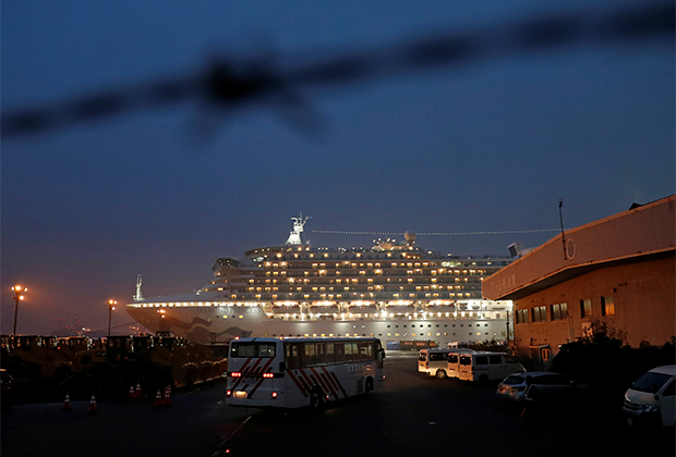 «Diamond princess» в порту Йокогама